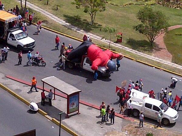 SE LES CAYÒ EL MADURO! http://t.co/qpPt1NxydQ