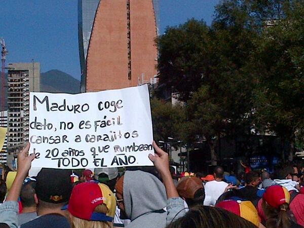 agarra minimo mamaguevo ploplo @nicolasmaduro http://t.co/MLxAFYc0UO