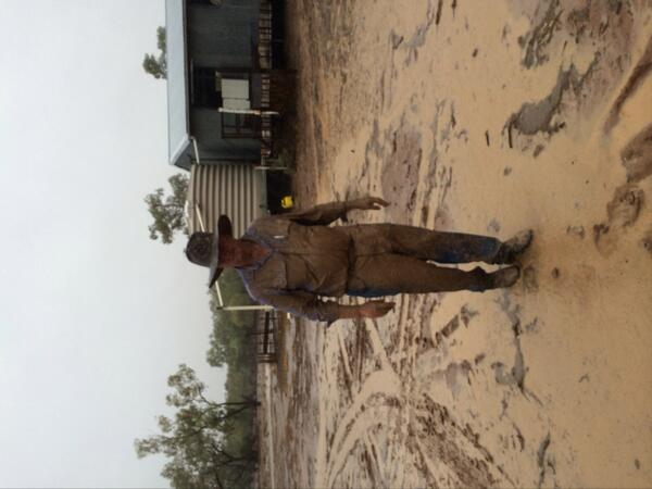 Here's Barnaby after pulling out bogged utes in welcome rain at Bourke today. http://t.co/3oG5KY0TRz