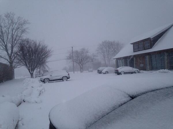 Here's a pic from #WaterMill in the #snow. Roads are bad. I suggest staying home! http://t.co/WlDfV3D2nz