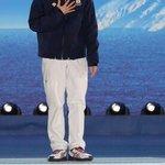 Image for the Tweet beginning: 【表彰式】ソチ冬季五輪、フィギュアスケート男子シングル。金メダルを手に笑顔を見せる羽生結弦選手