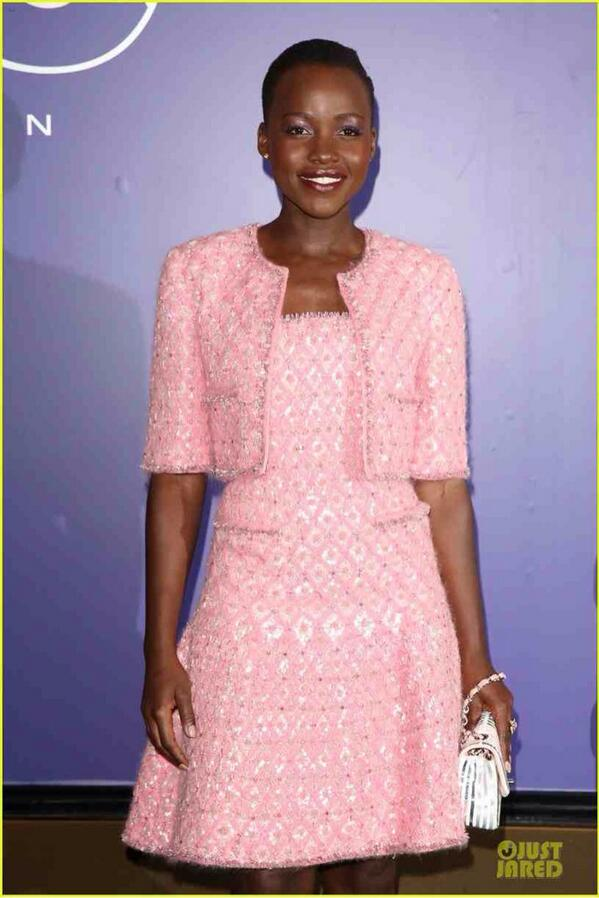 Last night, @Lupita_Nyongo looking pretty in pink (with purple @LancomeUK eyes) http://t.co/QFgY4OindL