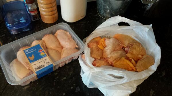 Just FYI, 8 chicken thighs from Saino's £5.61, 10 corn fed chicken thighs Goosnargh £5 @_ArtisanMarket #buylocal http://t.co/dgMxMcqtgj