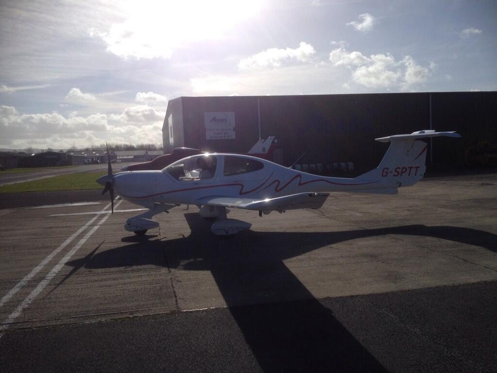 RT @GlosAirport: @carolvorders look! No copilot! Beautiful day for it...v busy skies! http://t.co/DJZKs7vGC9