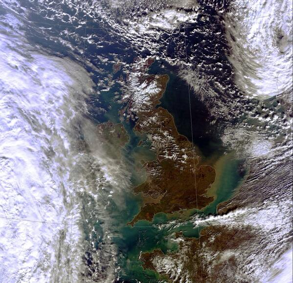 recent satellite view of Britain: note the #flooding runoff & more importantly the #Soil being lost http://t.co/berisHBiEa via @iWeatherNews
