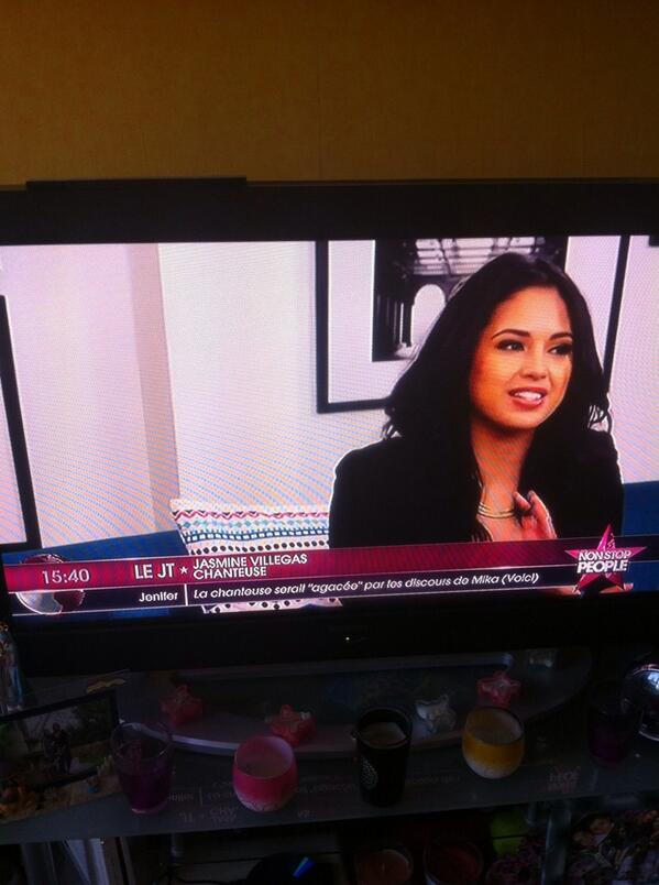 @JASMINEVILLEGAS you are in french tv!!!! http://t.co/GrBqHssDSX