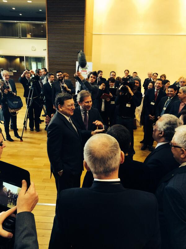 #EU capital mayors meeting with @BarrosoEU #eucities Shaping a clear #Urban EU Agenda @EU_Commission http://t.co/7F90UgPEmx
