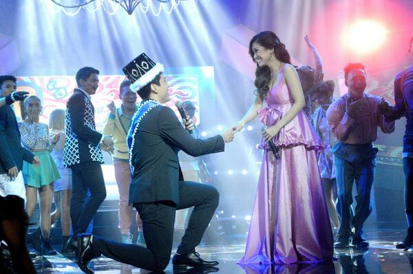 """Will you be my first dance?"" @gorachelleann @jeronteng  #SundayAllStars #TeamILike #Prom http://t.co/cb15tnUrC2"
