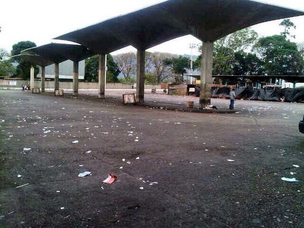 Terminal de pasajeros de #SC #Tachira hace 20min, muy poco transporte en la Calle http://t.co/PV2OKvcENl
