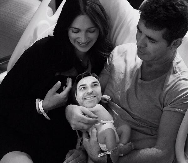 A heartwarming picture of @SimonCowell and Lauren Silverman with their beautiful baby... http://t.co/vQtgJOUVbx