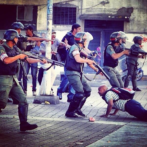 This is HOW our NATIONAL guard protects Venezuela... #Criminals http://t.co/OGMo5zgcpy