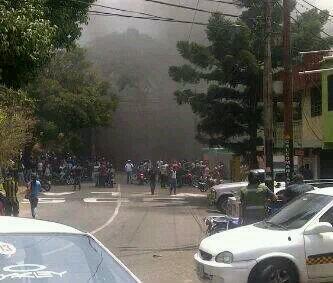 Asi esta la entrada de palo gordo  #cardenas #Tachira . http://t.co/zk7IouXeZ5