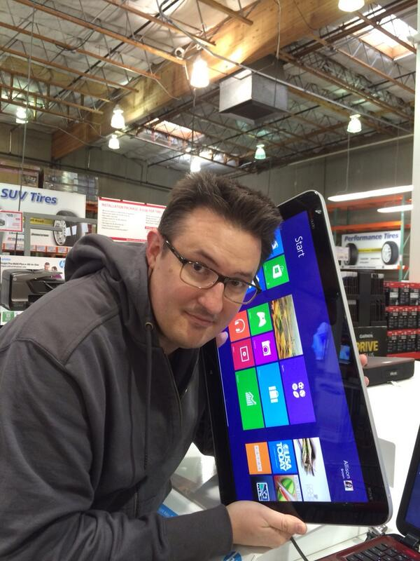I got to play with the new windows phone today! http://t.co/ATmB5LCJMj