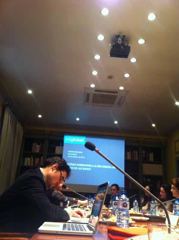 Estamos en #ElcanoTalks! Cómo sobrevivir a la era digital? Con @ManzanoCr de @esglobal_org http://t.co/sEQp6I1ssE