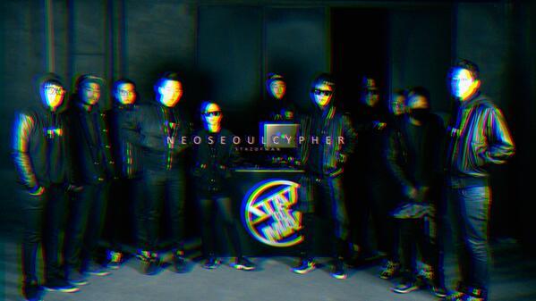 """와우 단체사진슨 """"@STAZOFMAN: 스타즈오브맨의 'NEO SEOUL CYPHER'가 21일 금요일날 공개될 예정입니다!! http://t.co/S55w5CdXDV"""""""