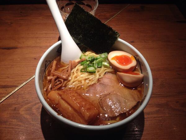 スープとチャーシューが美味しかった http://t.co/MBNTkIi1h7