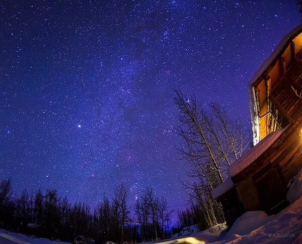 夜になると満天の星。北極圏ではオリオン座がこんなに低く見えます。オーロラは出るのでしょうか。 pic.twitter.com/CCJCFca04J