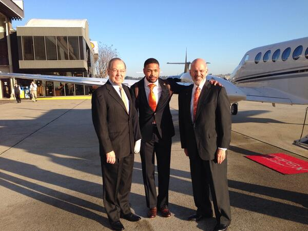 You honored us: @InkyJohnson: Having great time at #UTDay in Nashville with @UTPresidentJoe & Chancellor Jimmy Cheek http://t.co/wc4cchlPIE