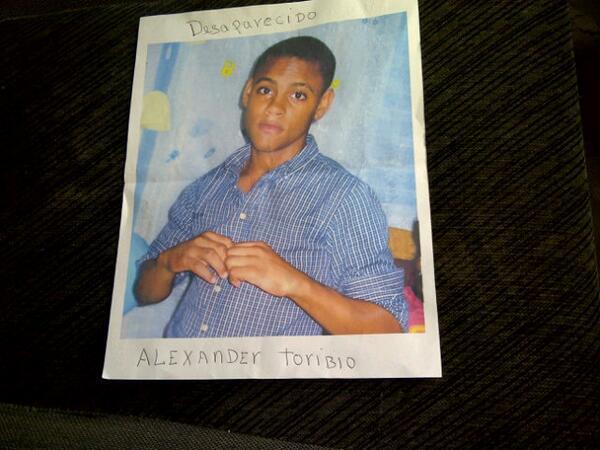 Está desaparecido Alexander Toribio de 16 años edad;salió en su Passola hace 7 días desde Palmar. Llamar:809-626-2516 http://t.co/YfbfbnbbeE