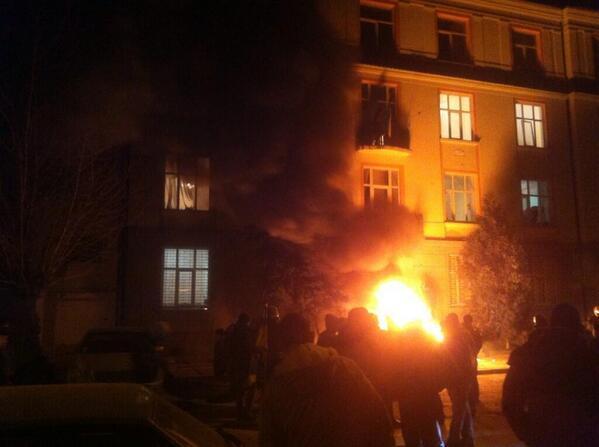 Горят несколько райотделов милиции в Ровно, Львове и Ивано-Франковске