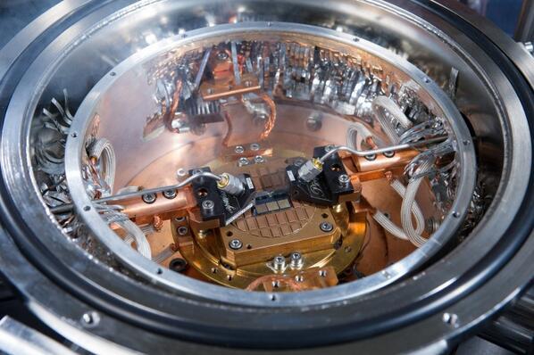 シリコン-ゲルマニウム・トランジスタで世界最速動作798GHzを記録 ― IHPとジョージア工科大 http://t.co/SpDMnlJom0 http://t.co/Vfzzqn65No