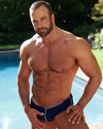 Muscle hunks in speedos
