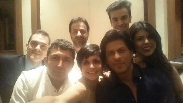 We had our own selfie moment.. @iamsrk http://t.co/P8oqLMCNQJ