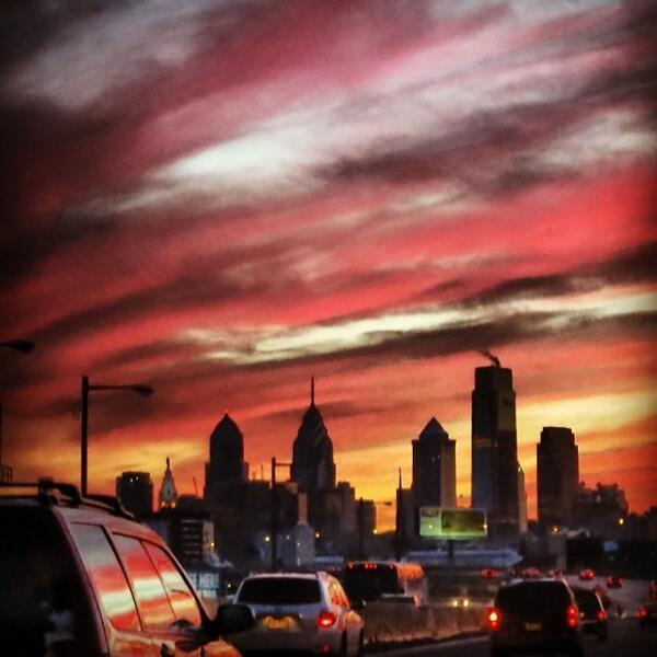 Yeah, it was amazing. Coming down I-95 into Philly: http://t.co/RaPXsMOhgY