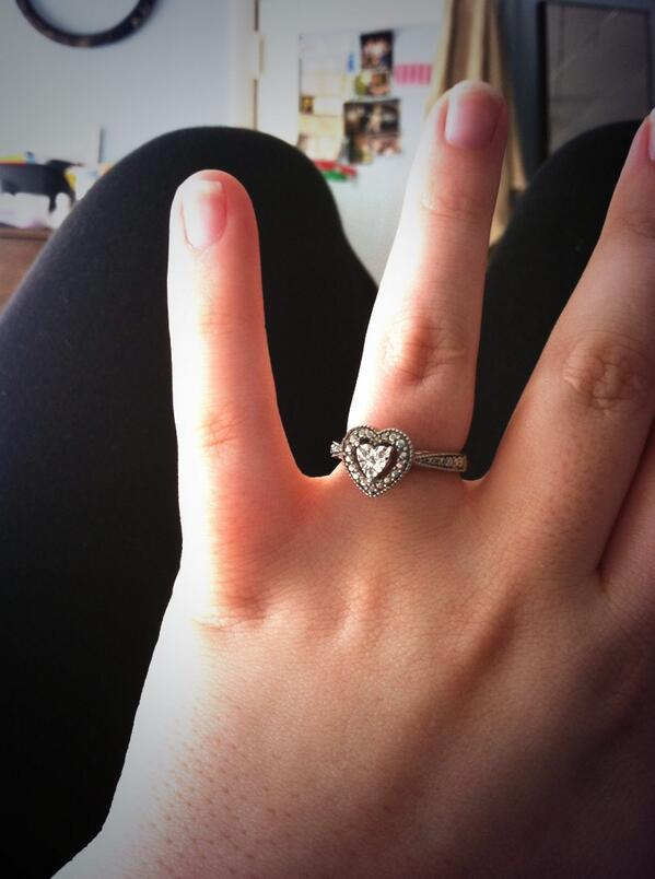 Pastva wedding rings
