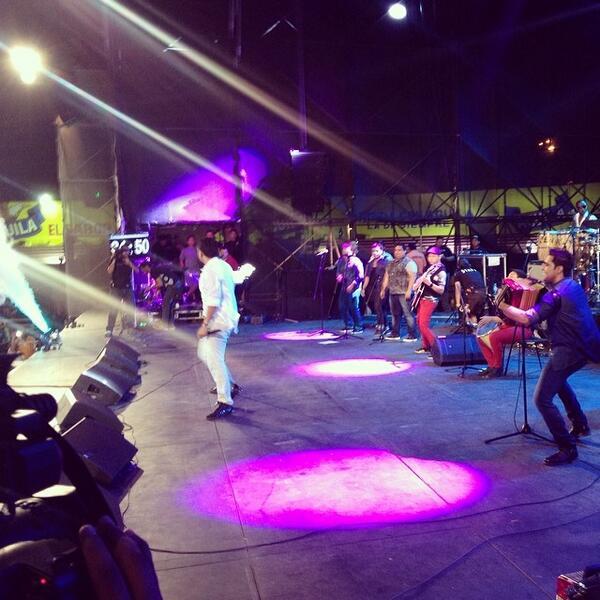 Silvestre Dangond #FestiOrquestas2014 El Mejor Show Del Carnaval. http://t.co/qIy8lxXJkx
