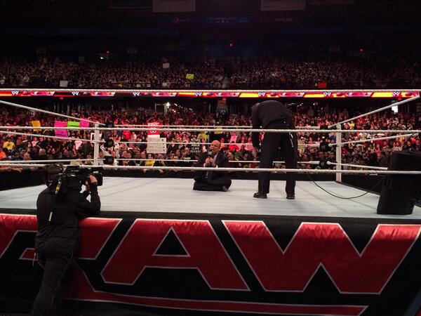 BOOOOOOOO!!! THIS PLACE IS ON FIRE RIGHT NOW!!!! @HeymanHustle #raw http://t.co/E30ObeXuos