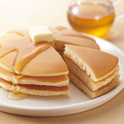 イギリスは今日「パンケーキデー」各地でパンケーキの入ったフライパンを持ちながら競争するレースが行われているそう。英国に思いをはせながら今日のおやつはパンケーキ!っていうのもいいですね http://t.co/aSMN0n1mSd http://t.co/QySD5As4ny