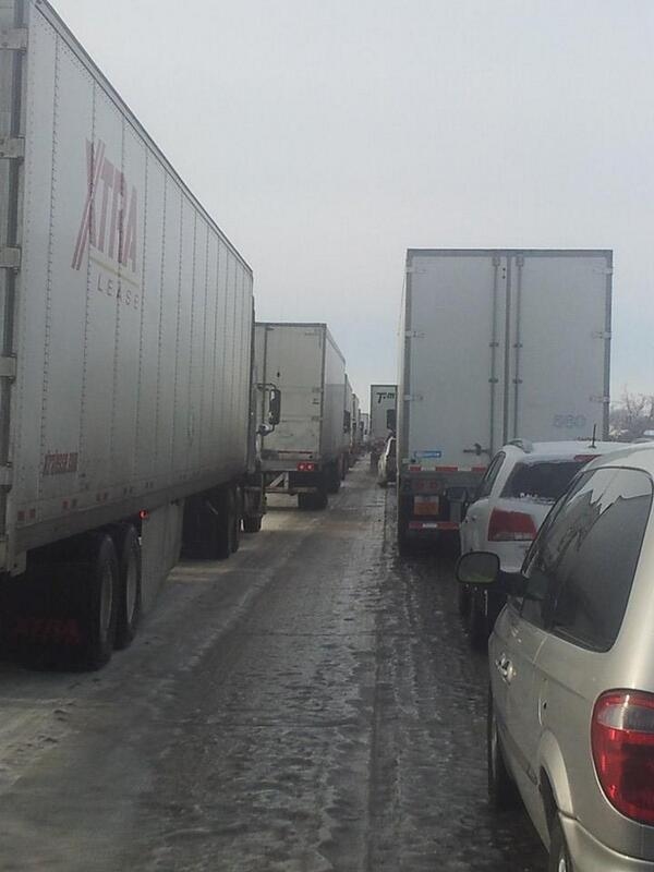 Here is another pic from viewer Cody Fox stuck in traffic on I-55 near Blytheville, Ark. http://t.co/4YH4LpOAju http://t.co/rBZB8cFN9z