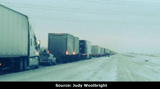 Traffic at a standstill on I-55 from MO to #Memphis Got this pic from a viewer stuck for the last 14 hrs.  #memice http://t.co/a5KusIBY0k