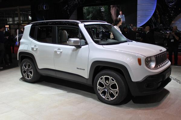 The team posted live photos of the new 2015 @Jeep Renegade to @MotorAuthority. http://t.co/wxk31VlVkC http://t.co/MlN6Okv0Ze