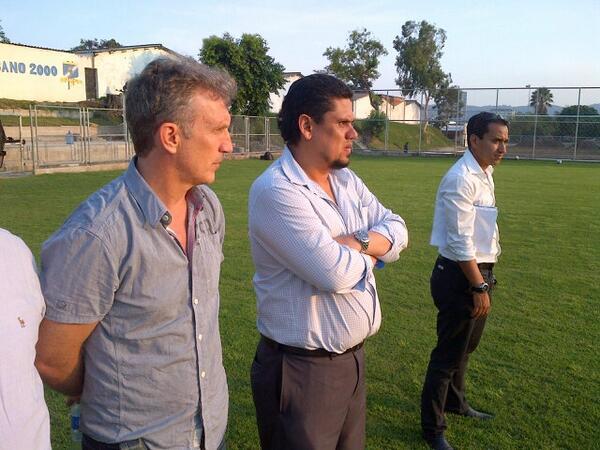FESFUT inicia proceso en contratacion a nuevo tecnico. [Albert Roca, Victor Pua, Eduardo Lara y Hugo Perez].  Bh63U1PCYAAkpdT