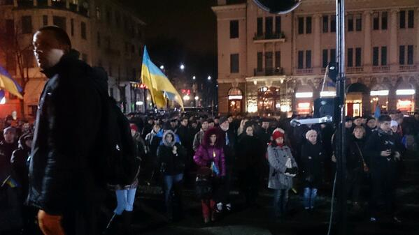 I'm in #Kharkiv and here is the local #euromaidan tonight. It speaks Russian but it has a Ukrainian spirit! #Ukraine http://t.co/5H9veIdAiX