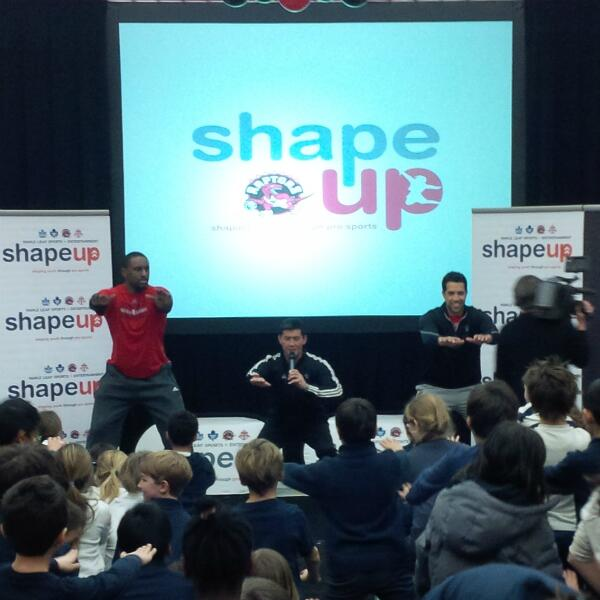 Strength & conditioning coach Jon Lee gets kids warmed up with @pdpatt & @landryfields at today's #MLSEShapeUp event http://t.co/BmaWV3unkR