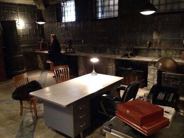 """6x17 """"THE BELLY OF THE BEAST"""" post-ep pics & tweets - Page 3 Bh6Y7cpCEAAGsFq"""