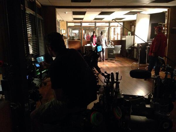 """6x17 """"THE BELLY OF THE BEAST"""" post-ep pics & tweets - Page 3 Bh6ZfakCYAEpODc"""