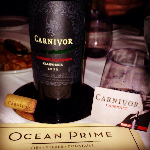 Great dinner in Denver @CarnivorWine #devourlife http://t.co/MNk8gAP9gh