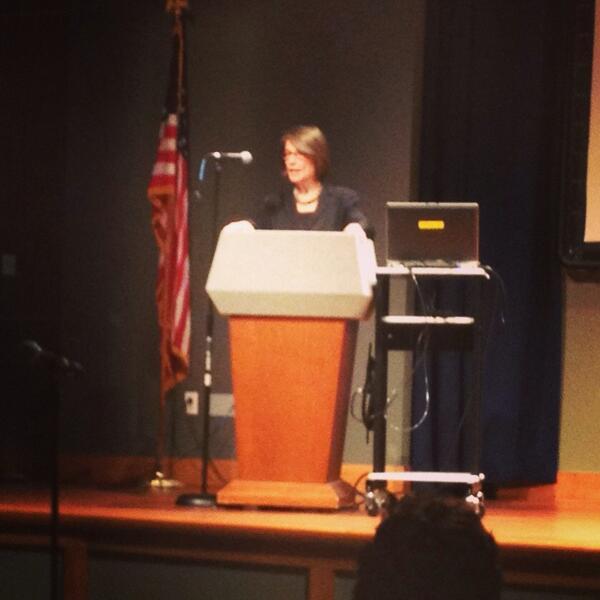 Geneva Overholser giving the First Amendment lecture #normbrewer http://t.co/WZiru33uPx