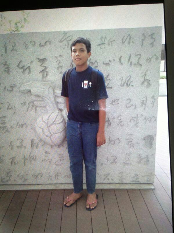 14-year-old boy missing since 04/03/2014 @ 1030HRS. Last seen at Blk 22 Sin Ming Rd. http://t.co/qCvmrfQwX9