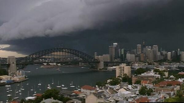 Wow #sydneystorm http://t.co/V5Ti47Xumz