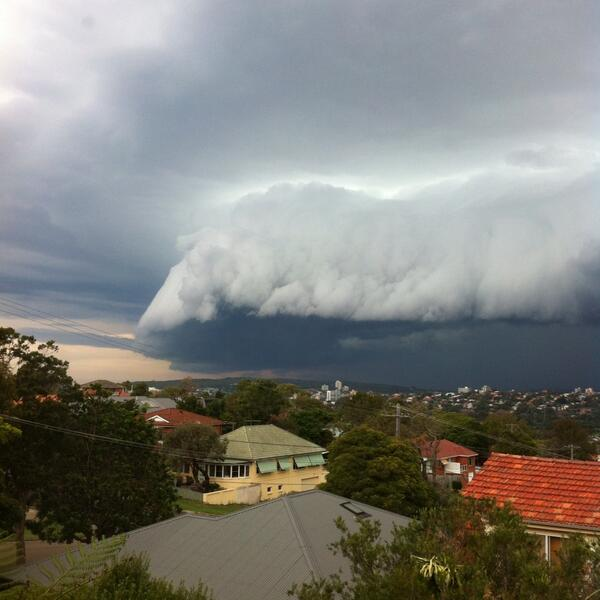 EPIC #sydneystorm - massive shelf cloud! http://t.co/Heu1aMCb8N