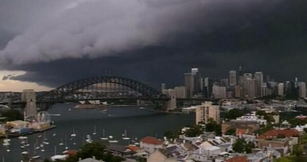 Probably shouldn't have ridden to work today... #sydneystorm @harleyaustralia #harleydavidson http://t.co/nfDfKBwegz