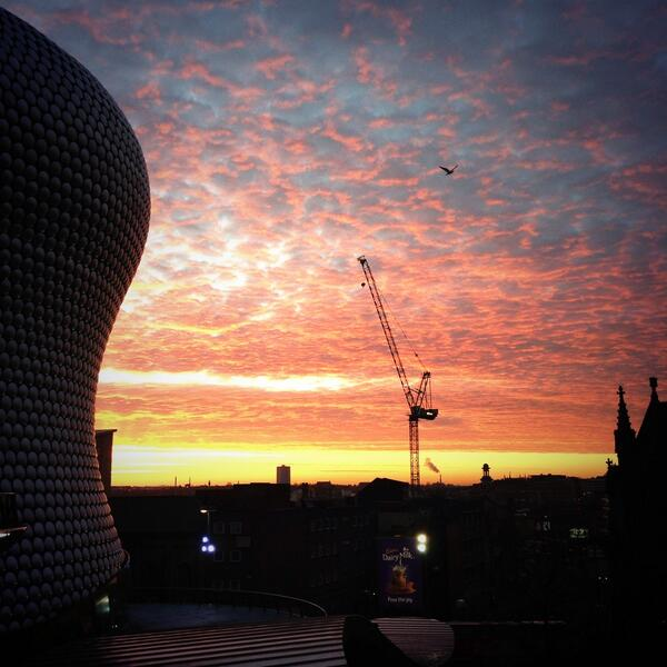 Amazing sky over #Birmingham this morning @BrumHour @Bullring #brumpic http://t.co/AyafhkPBXL