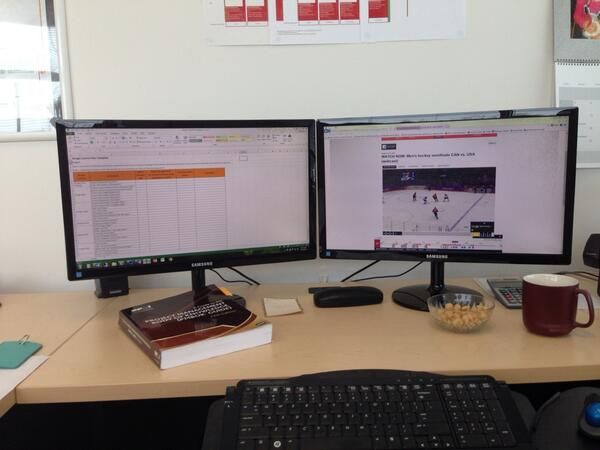 Isn't everyone working like this right now? It's called multitasking #gocanada #goldrush http://t.co/tYU5cwoWkc