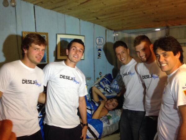 Tiago, Grohe, Follmann, Busatto e @DanrleiFederal na visita ao menino Maurício. http://t.co/B08pCAmA2C