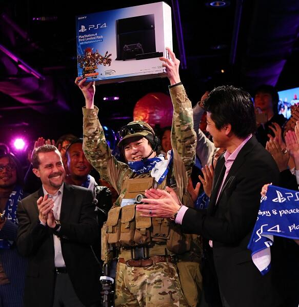 Sony launches PS4 in Japan